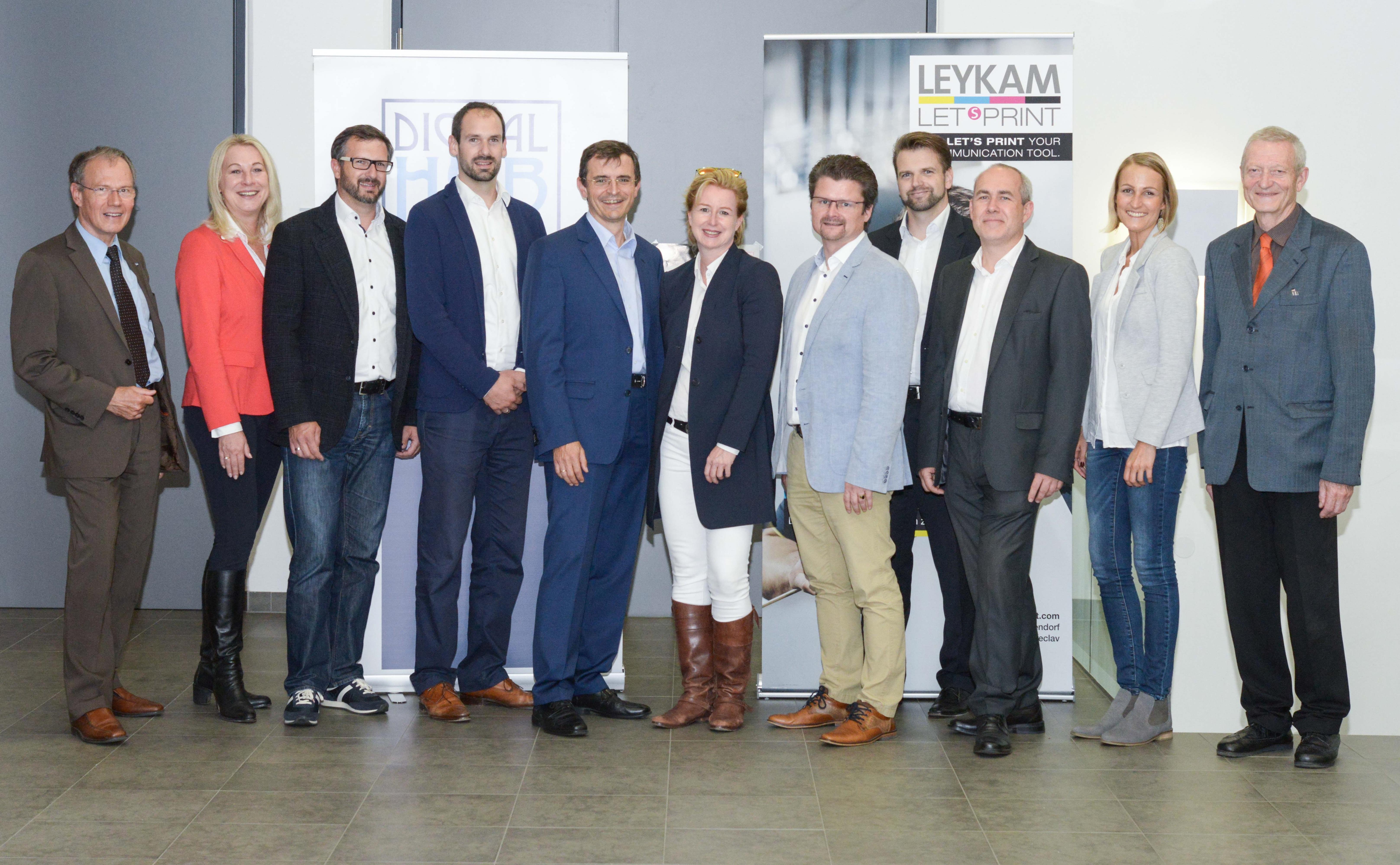 Gruppenfoto - LEYKAM / Digital Hub Vienna Event No 2, Softwarepark Hagenberg, 14.9.2017. Copyright: Digital Hub Vienna/Tsitsos