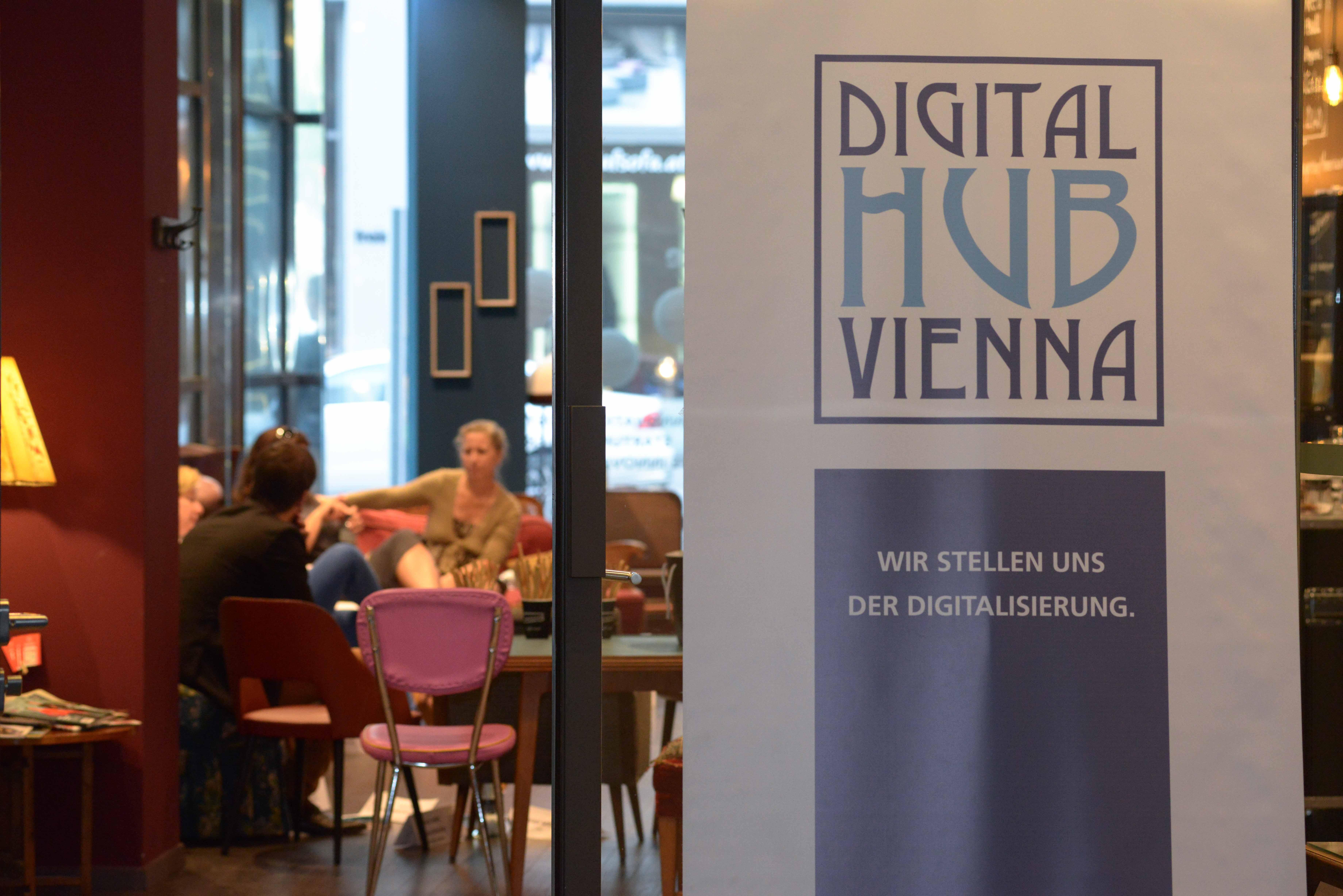 """UNTEN Roundtable No 6: """"Die andere Seite ... nach der Medienenquete"""" von BM Blümel, 21.06.2018, weXelerate. Fotocredit: Digital Hub Vienna/Tsitsos."""